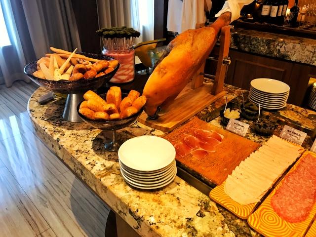 CM_breakfast