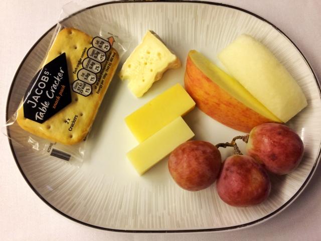 Thaiairways_fruit and cheese